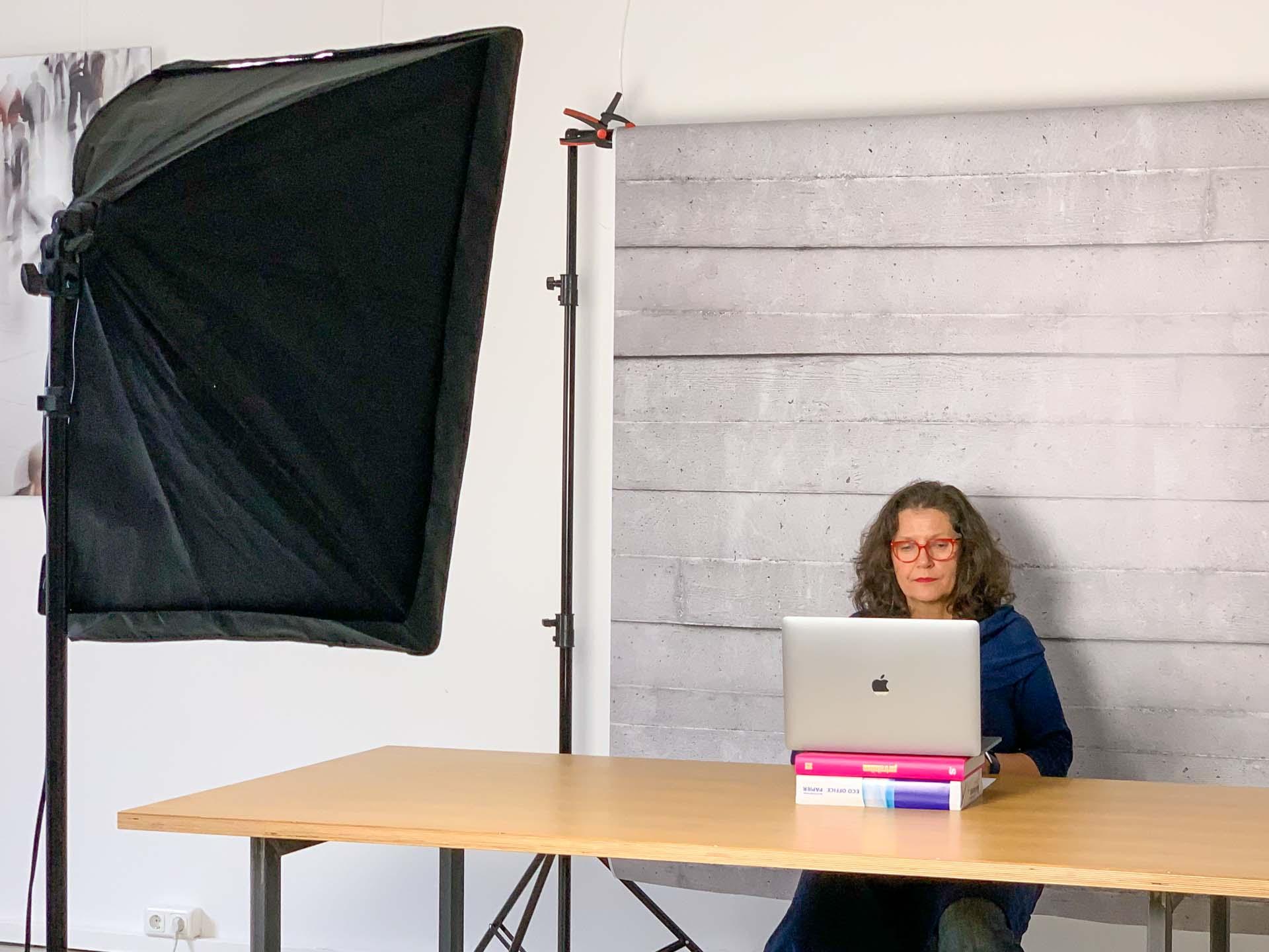 Präsentation vor der Kamera – der virtuelle Sitzungssaal